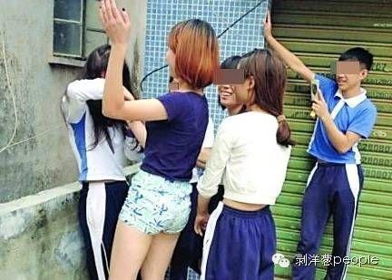 学校电刑体罚羞辱女生故事